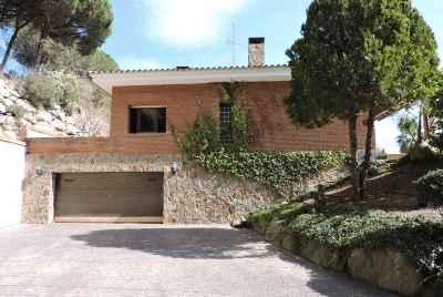 Великолепный дом с видом на море в Cabrils